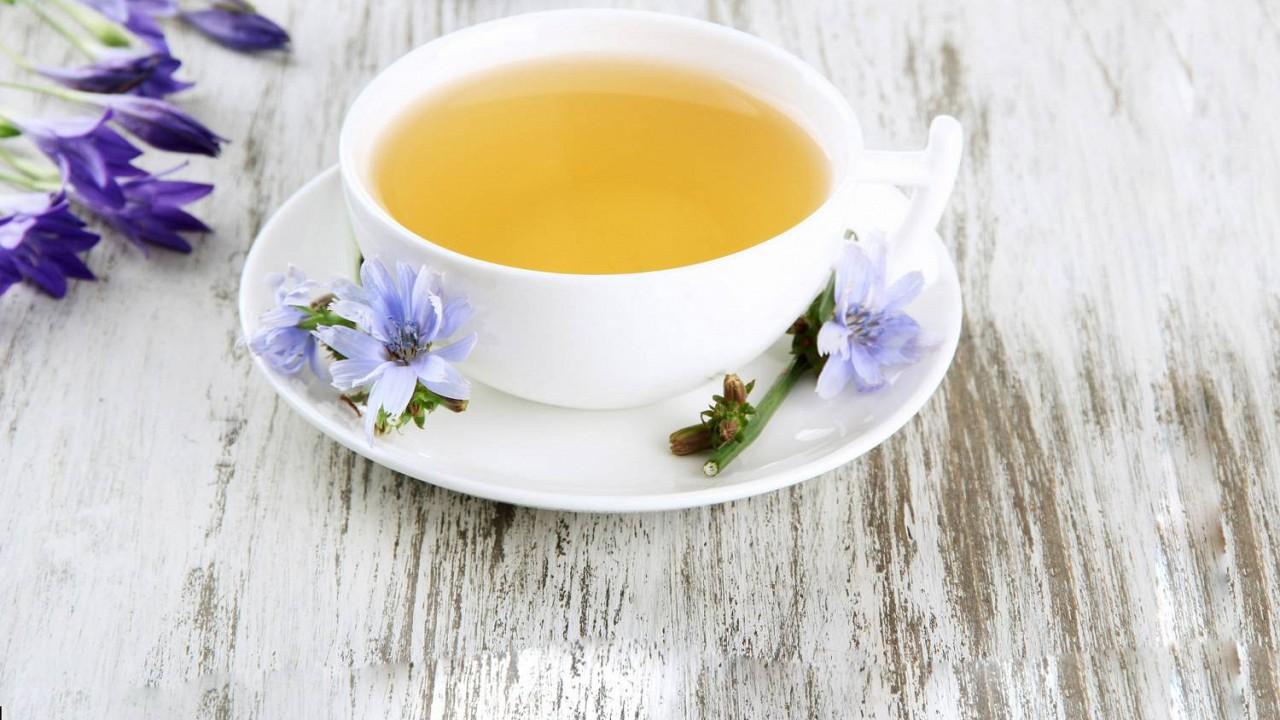 Čakankový čaj lieči pečeň